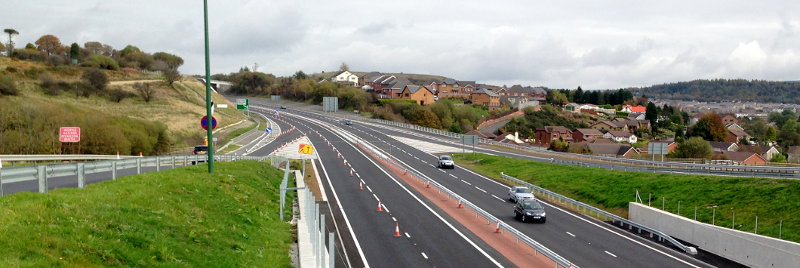 Newly-opened dual carriageway on the A465 at Tredegar, with cones still set out for some final tidying-up works. Click to enlarge