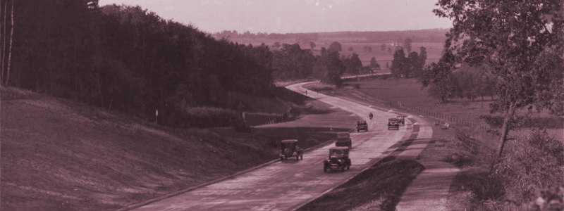 The A412 North Orbital Road between Denham and Maple Cross, seen in the 1930s shortly after opening. Click to enlarge
