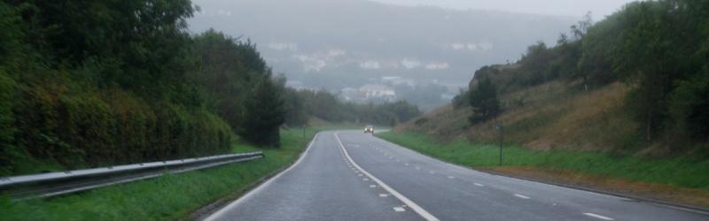 The long, steady descent around the edge of Fishguard takes the A40 in to Goodwick. Click to enlarge