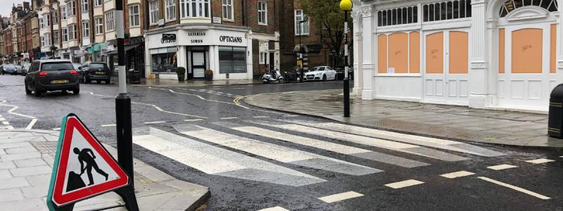 A view of the crossing from the pavement, with the shape of the paintwork more obvious. Click to enlarge